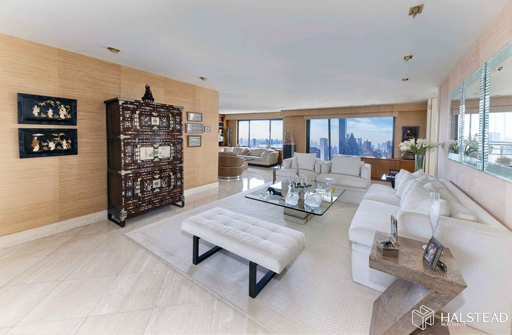 4 Coop in Sutton Place