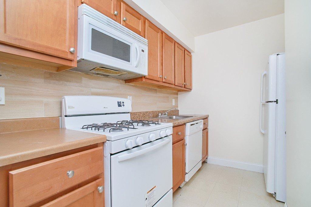 1 Apartment in Belmont