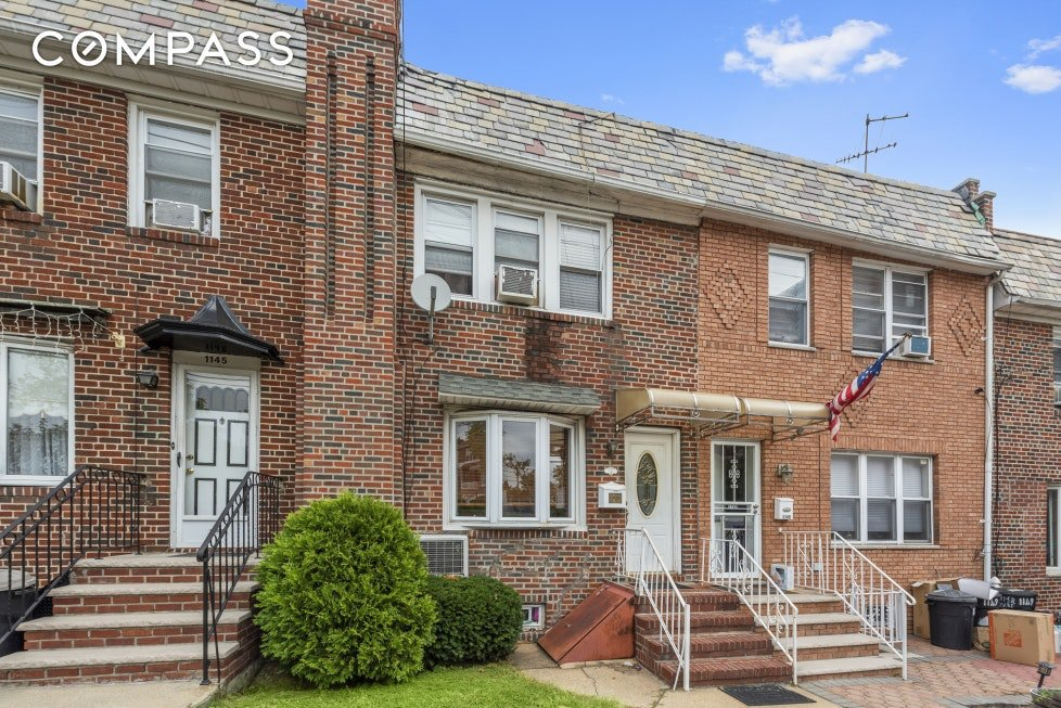 3 Townhouse in Dyker Heights