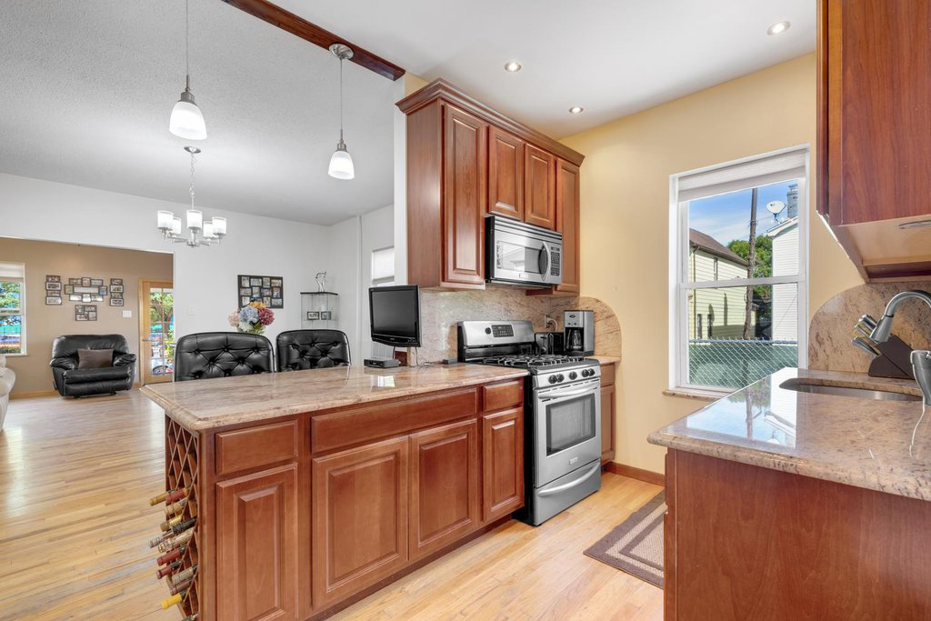 3 Townhouse in Jamaica Hills