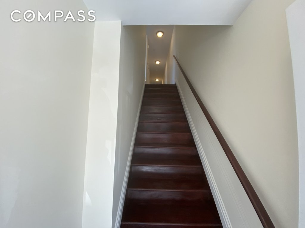 3 Townhouse in Soundview