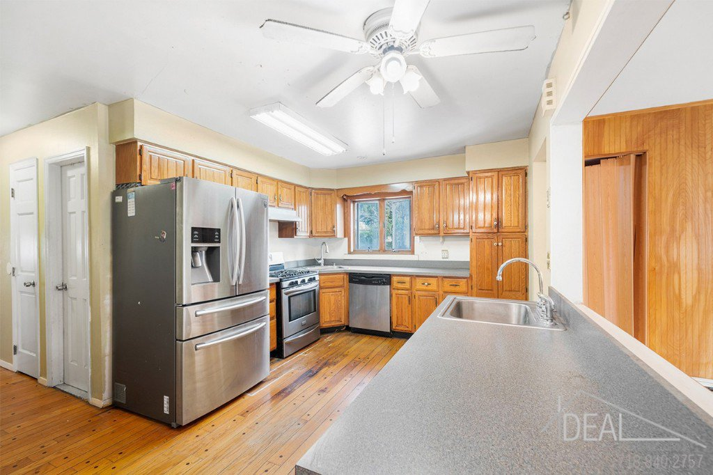 7 Townhouse in Seagate