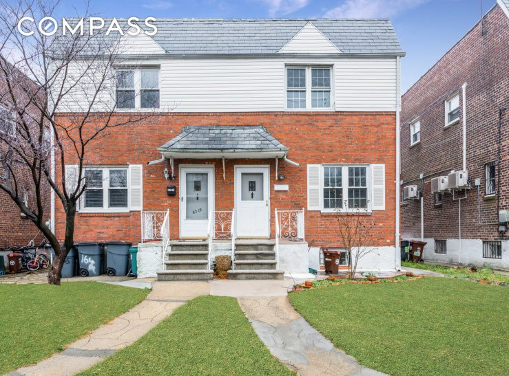 2 Townhouse in Jamaica Hills