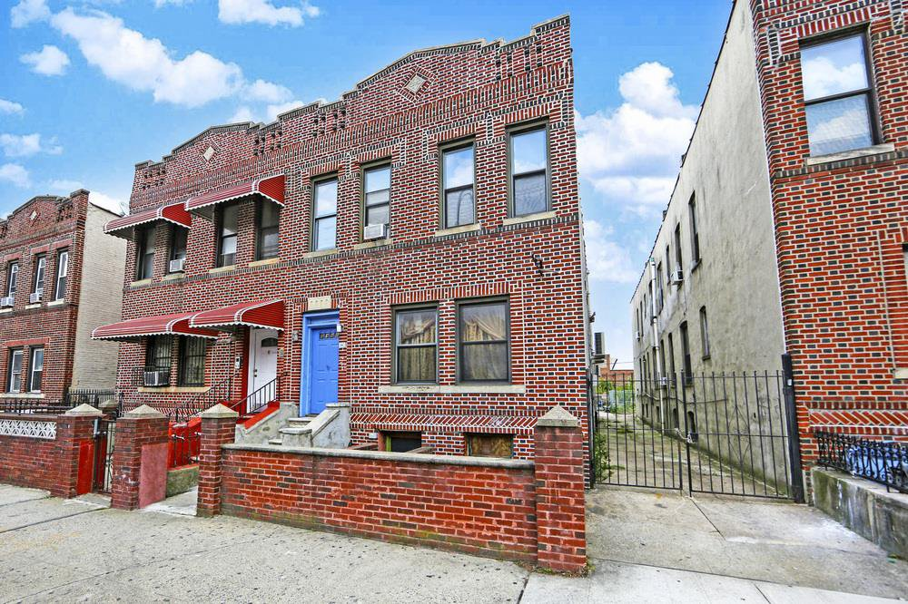 7 Townhouse in Brownsville