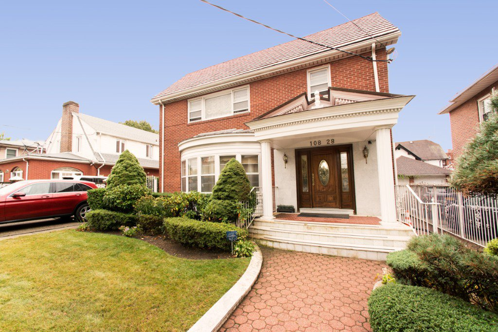 5 Townhouse in Forest Hills