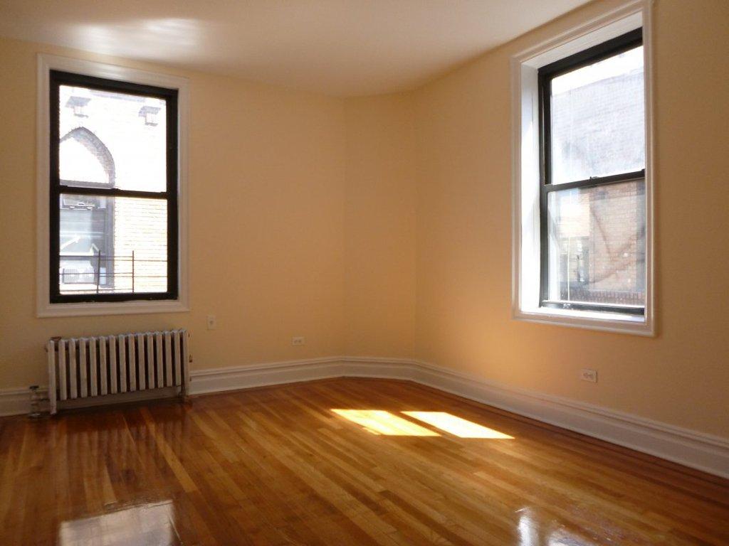 2 Apartment in Glen Oaks Village
