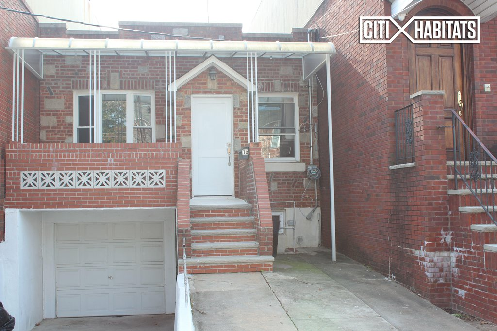2 Townhouse in Gravesend