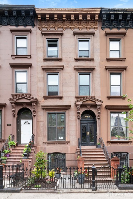 7 Townhouse in Crown Heights