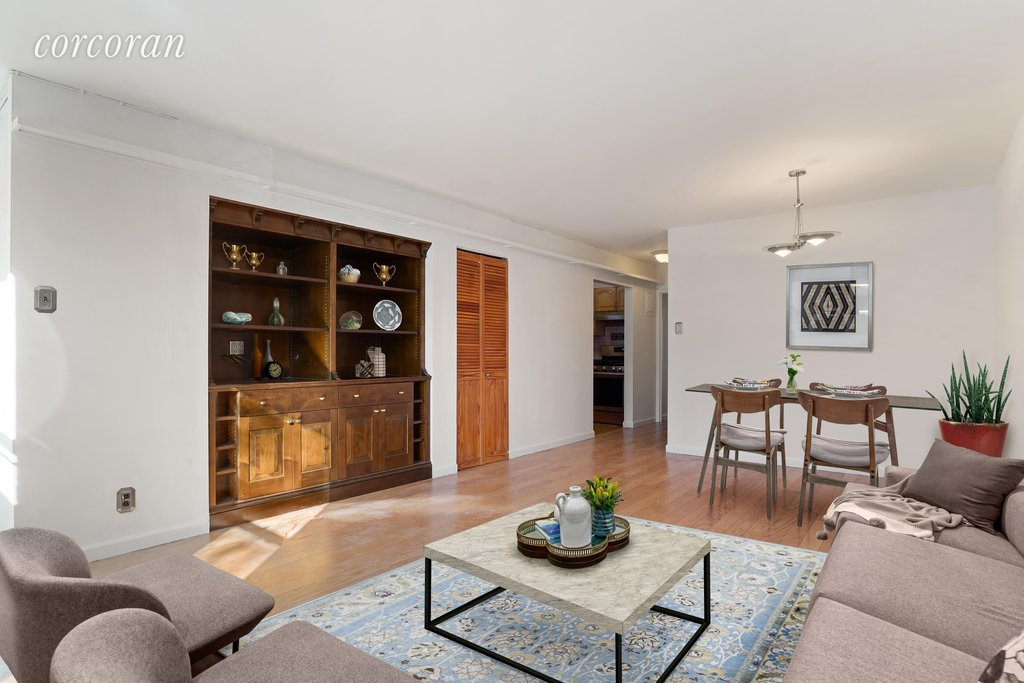 2 Condo in Columbia St Waterfront District