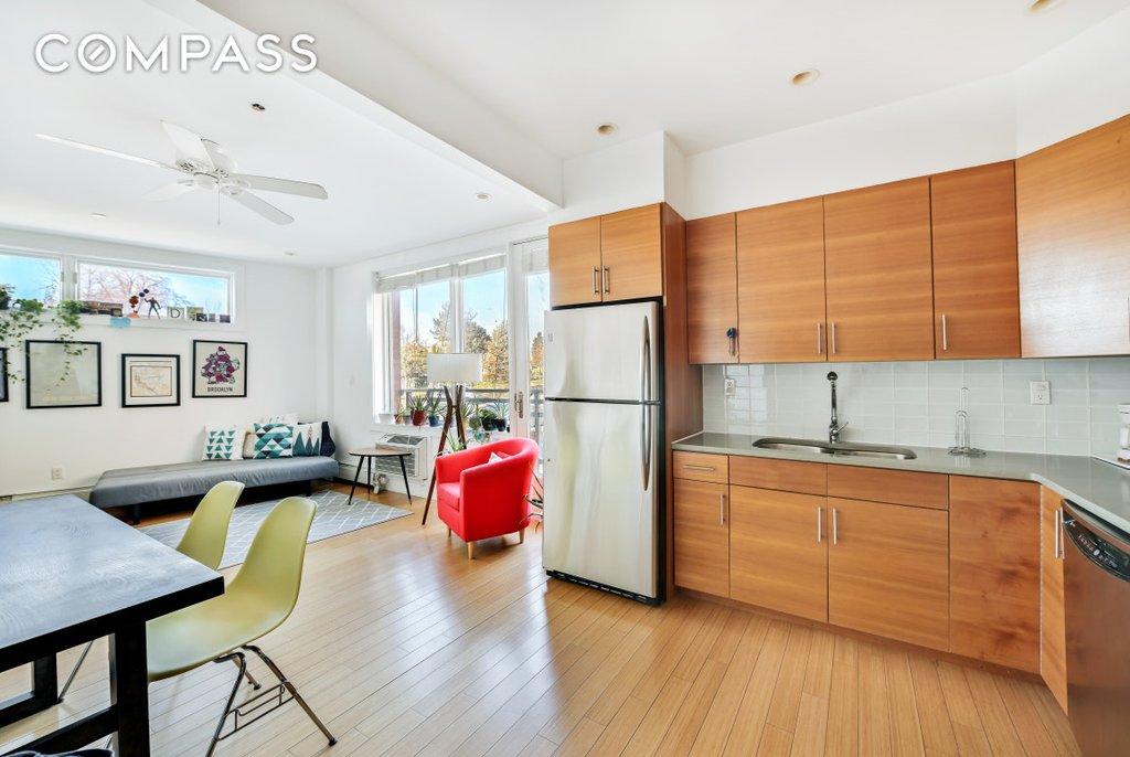 1 Condo in Windsor Terrace