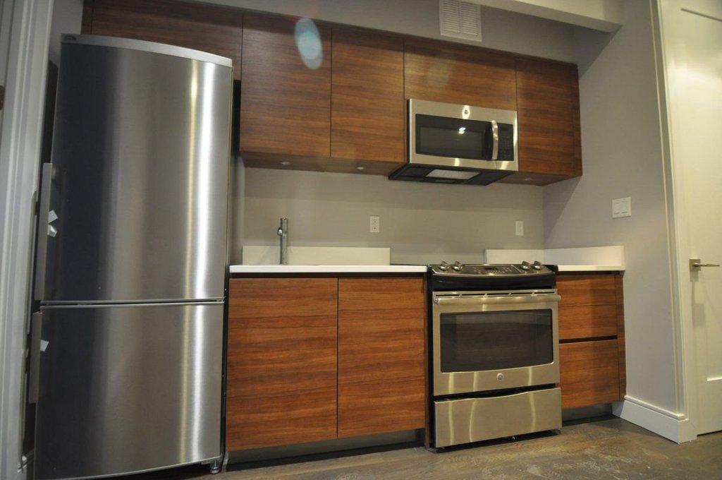 1 Apartment in Mott Haven