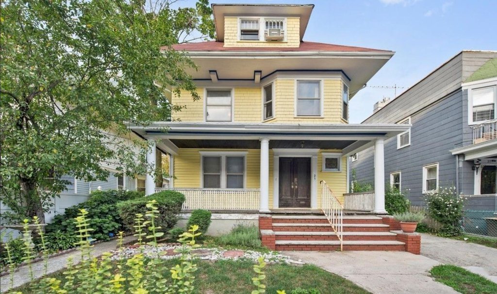 1 Townhouse in Prospect Park South