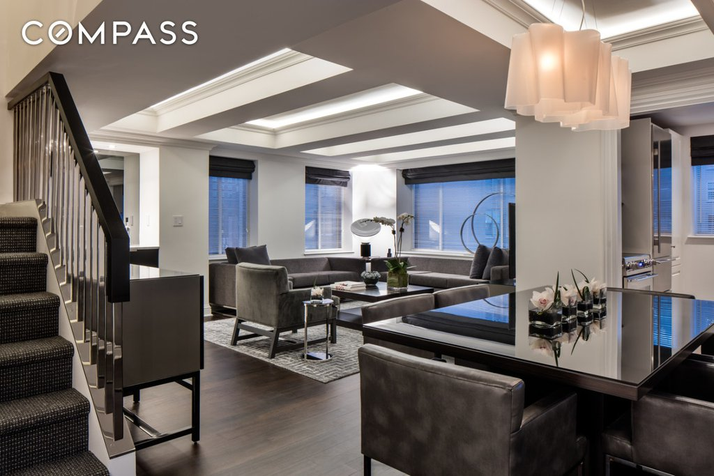 2 Condo in Sutton Place