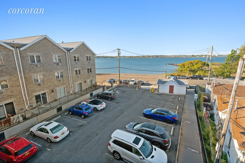 2 Condo in Throgs Neck