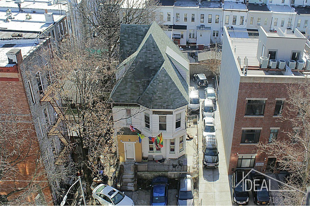8 Townhouse in Prospect Lefferts Gardens