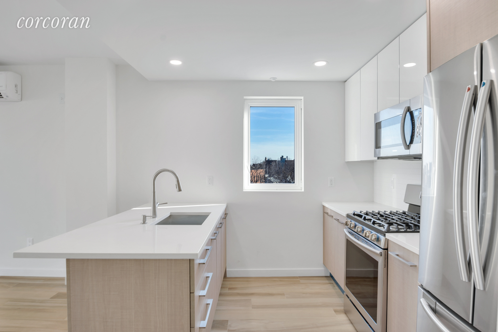 2 Townhouse in Midwood