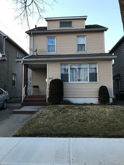 3 Townhouse in Ozone Park