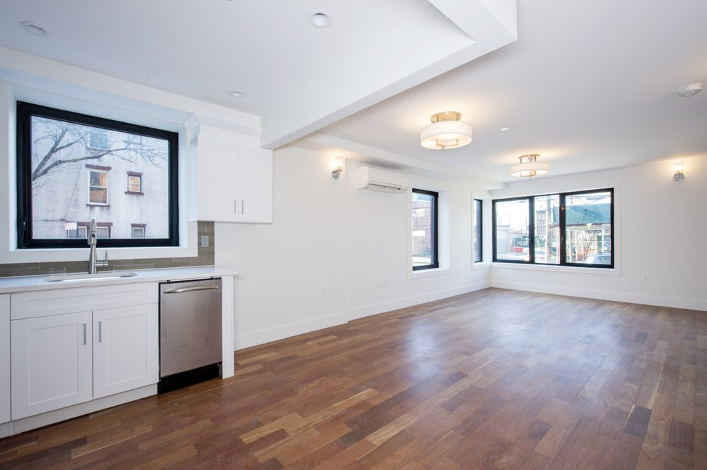 2 Townhouse in Red Hook