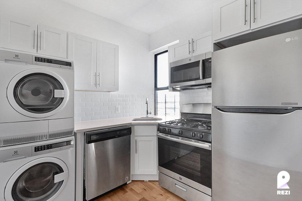 3 Apartment in Belmont