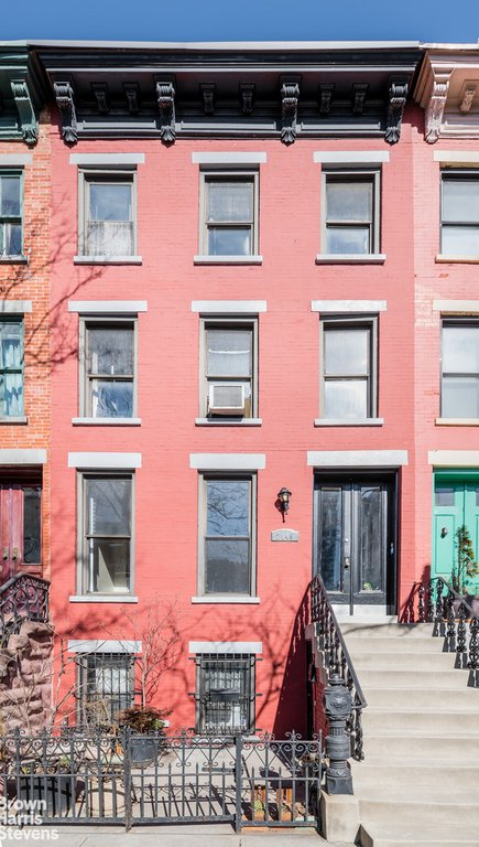 6 Townhouse in Long Island City