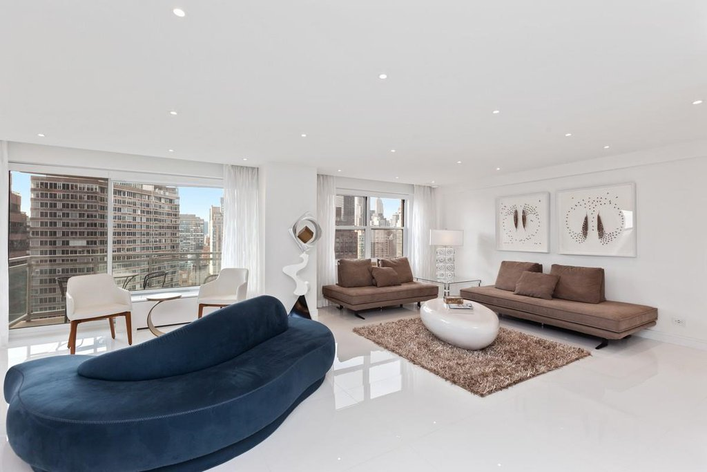 3 Coop in Sutton Place