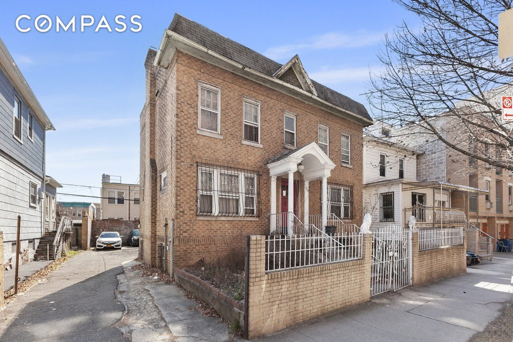 3 Townhouse in Parkchester