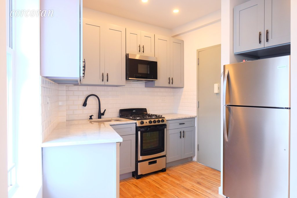 1 Apartment in Windsor Terrace