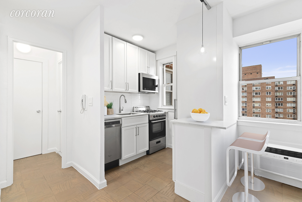 Studio Apartment in Upper Manhattan