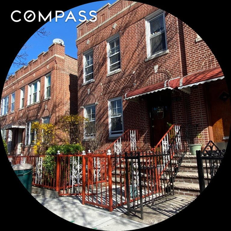 5 Townhouse in Long Island City