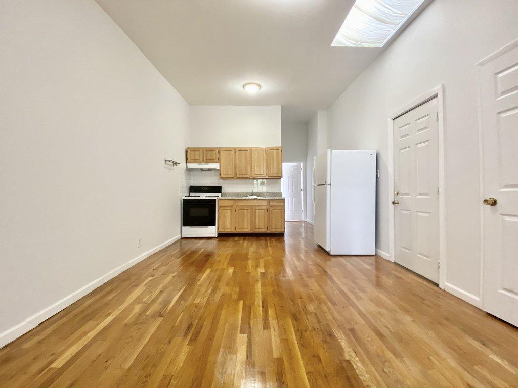Glenwood South Park Slope Three Bedroom Apartment Rentals No Fee Nyc Real Estate Glenwood South Park Slope